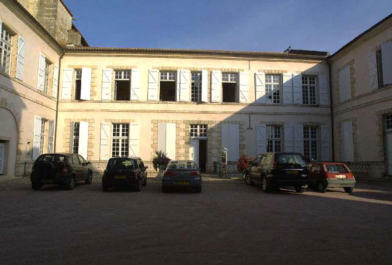 le-pavilon-architectures-grand-palais-episcopal-lectoure-3