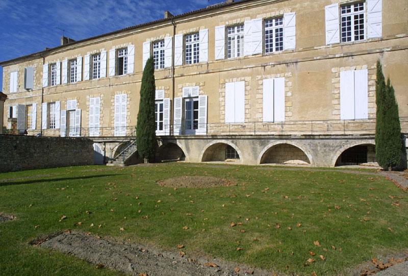 le-pavilon-architectures-grand-palais-episcopal-lectoure-6